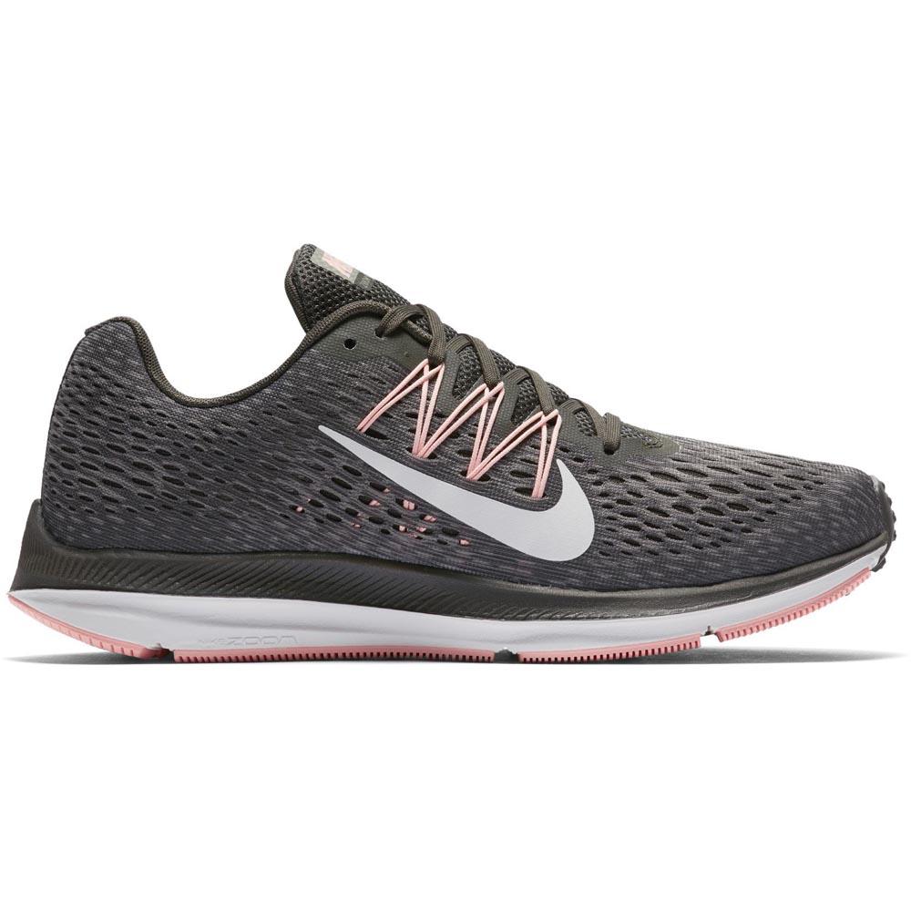 c66f03a8904 Køb Nike Air Zoom Winflo 5 løbesko dame til en god pris på Billigsport